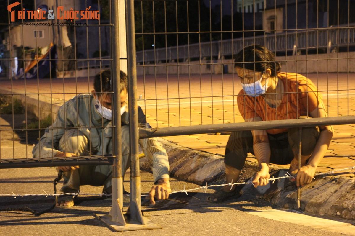 Ha Noi: Phuong Co Nhue 2 giang thep gai ngan dan vuot chot