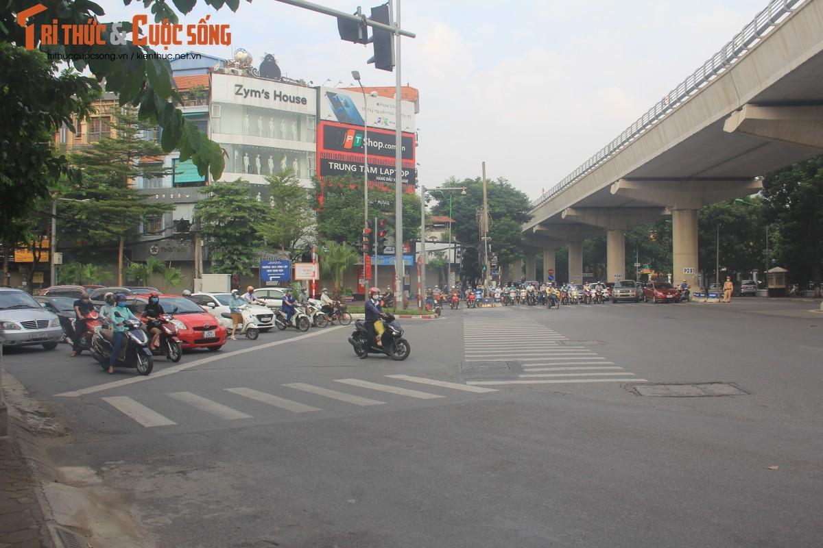 """Cac """"diem nong"""" giao thong Ha Noi the nao sau 2 thang gian cach?-Hinh-11"""