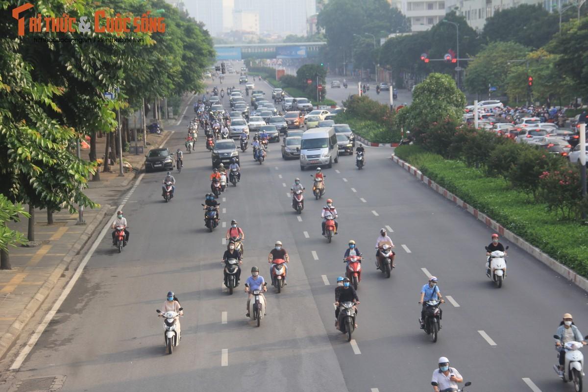 """Cac """"diem nong"""" giao thong Ha Noi the nao sau 2 thang gian cach?-Hinh-13"""