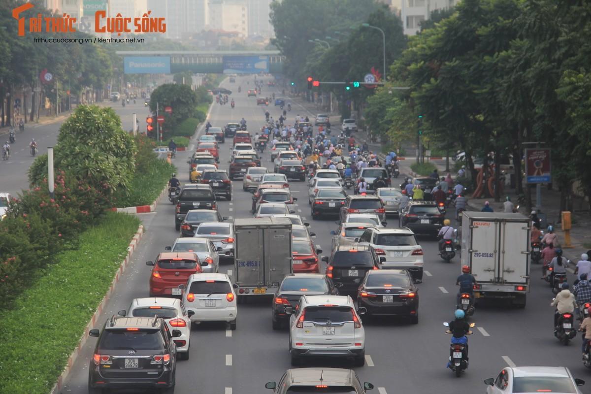 """Cac """"diem nong"""" giao thong Ha Noi the nao sau 2 thang gian cach?-Hinh-15"""
