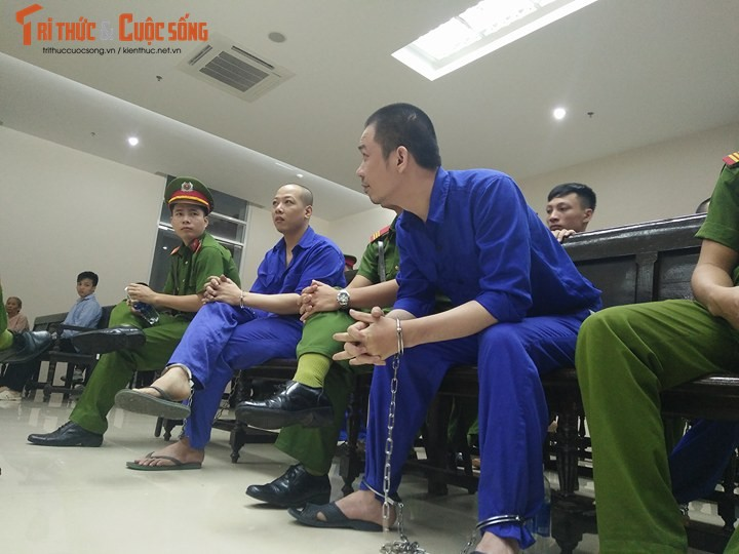 Nhung hinh anh dau tien phien phuc tham Nguyen Van Tinh-Hinh-7