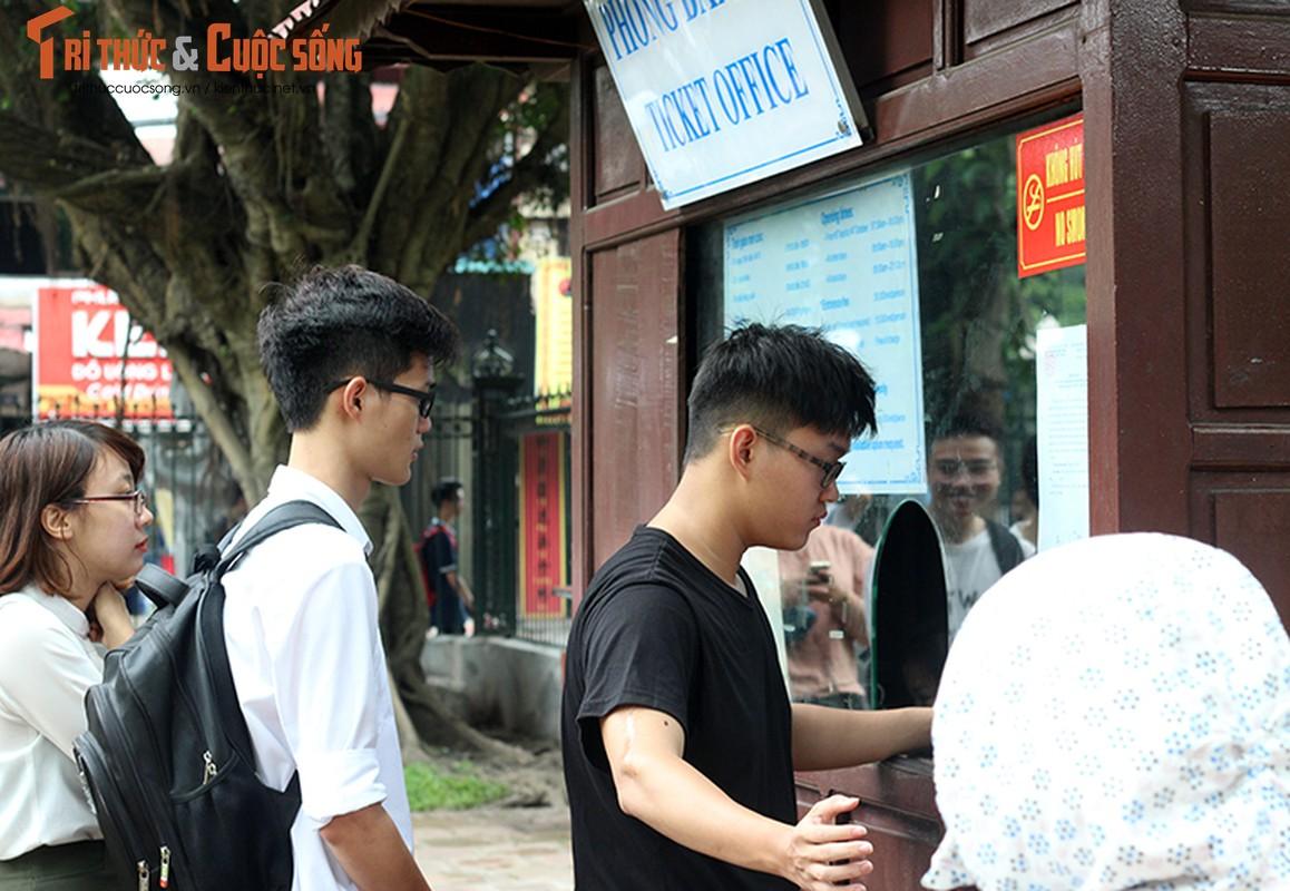 Anh: Si tu keo den Van Mieu cau may truoc ngay thi THPT Quoc gia-Hinh-3