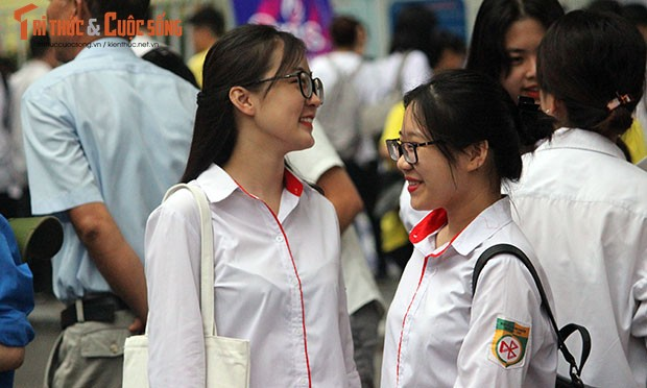 Anh: Thi sinh tu tin cuoi rang ro den thi THPT quoc gia 2018-Hinh-2