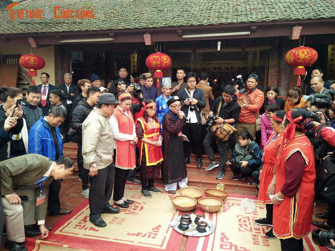 Can canh le hoi thoi com thi doc dao o lang Thi Cam-Hinh-2