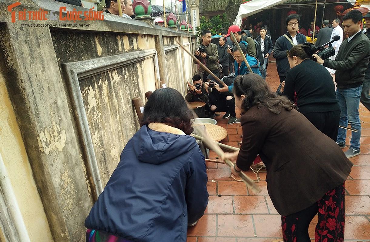 Can canh le hoi thoi com thi doc dao o lang Thi Cam-Hinh-4