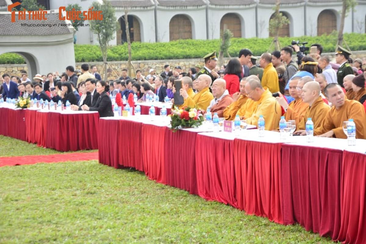 Dac sac, hoanh trang ngay khai hoi xuan Yen Tu 2019-Hinh-2