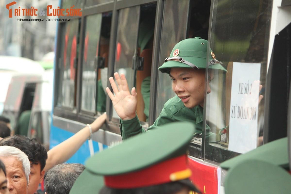Khoanh khac nguoi than bin rin tien tan binh nhap ngu o Ha Noi-Hinh-13