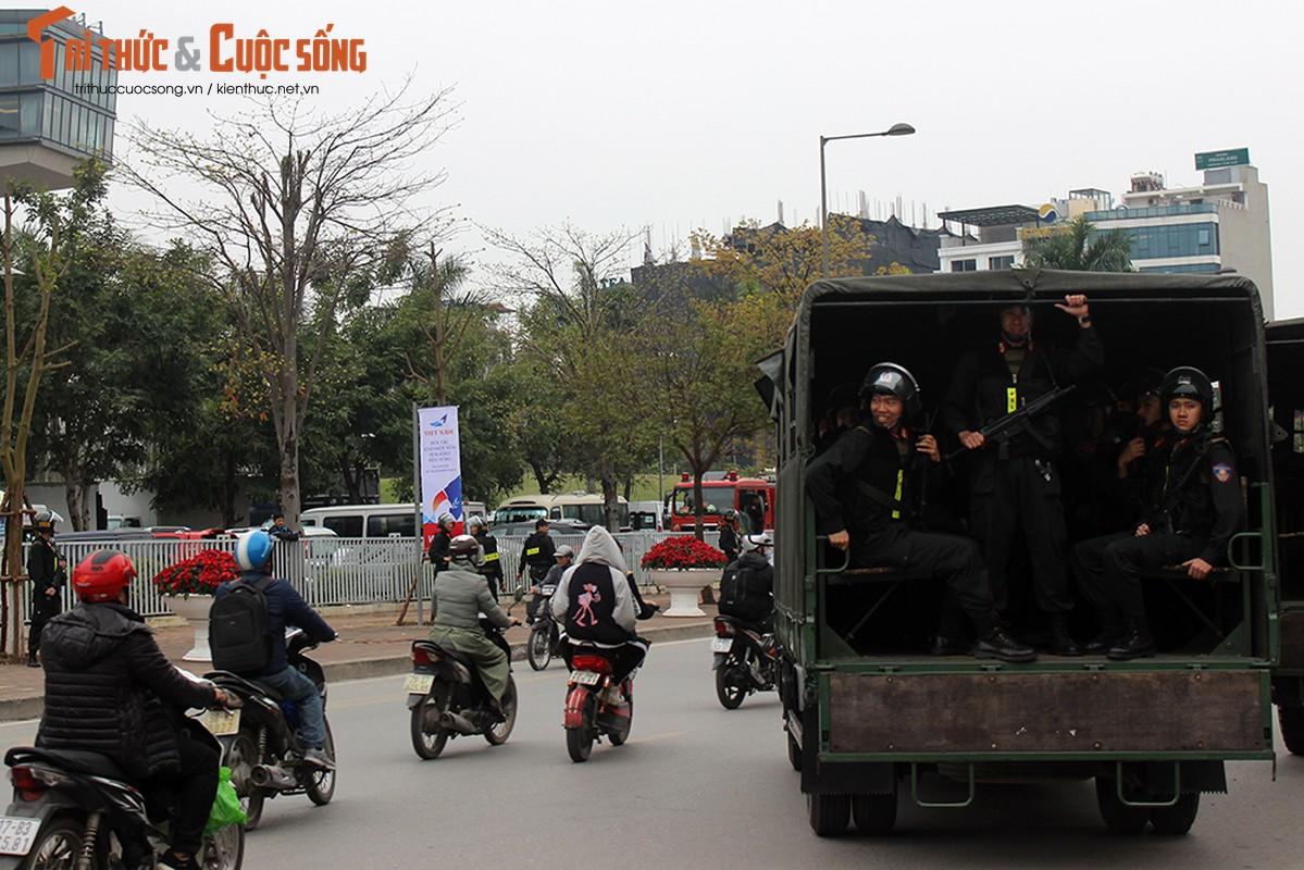 Chu tich Kim Jong-un dang den Ha Noi, an ninh duoc that chat tuyet doi-Hinh-8