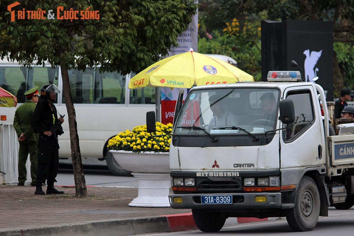 Chu tich Kim Jong-un dang den Ha Noi, an ninh duoc that chat tuyet doi-Hinh-11