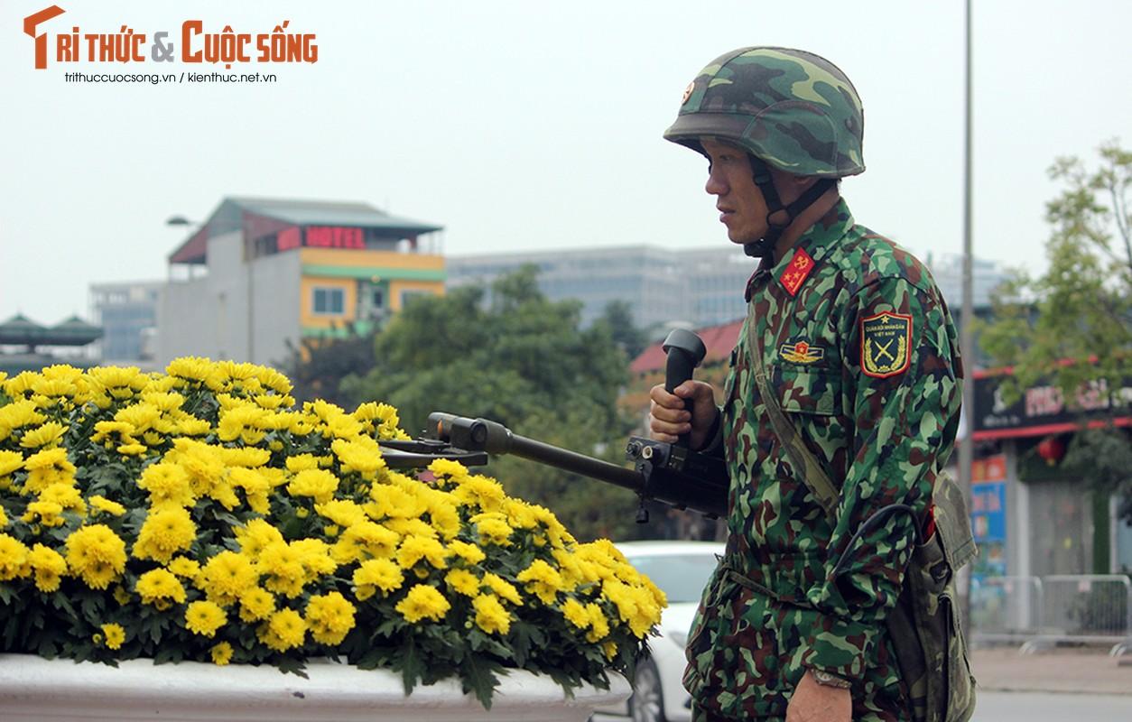 Chu tich Kim Jong-un dang den Ha Noi, an ninh duoc that chat tuyet doi-Hinh-13