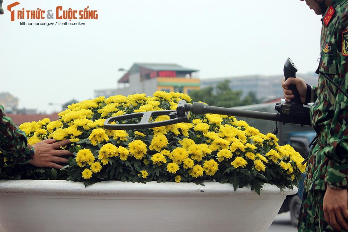 Chu tich Kim Jong-un dang den Ha Noi, an ninh duoc that chat tuyet doi-Hinh-14