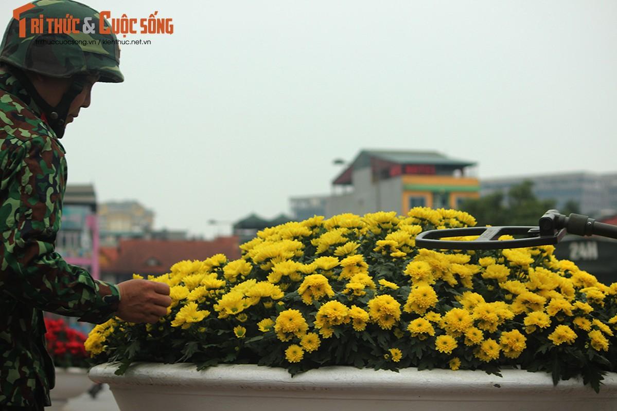 Chu tich Kim Jong-un dang den Ha Noi, an ninh duoc that chat tuyet doi-Hinh-15