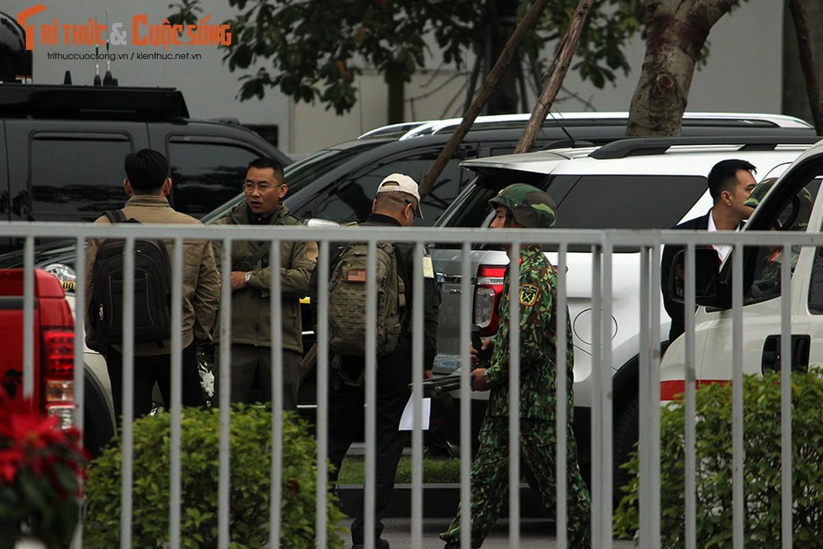Chu tich Kim Jong-un dang den Ha Noi, an ninh duoc that chat tuyet doi-Hinh-19