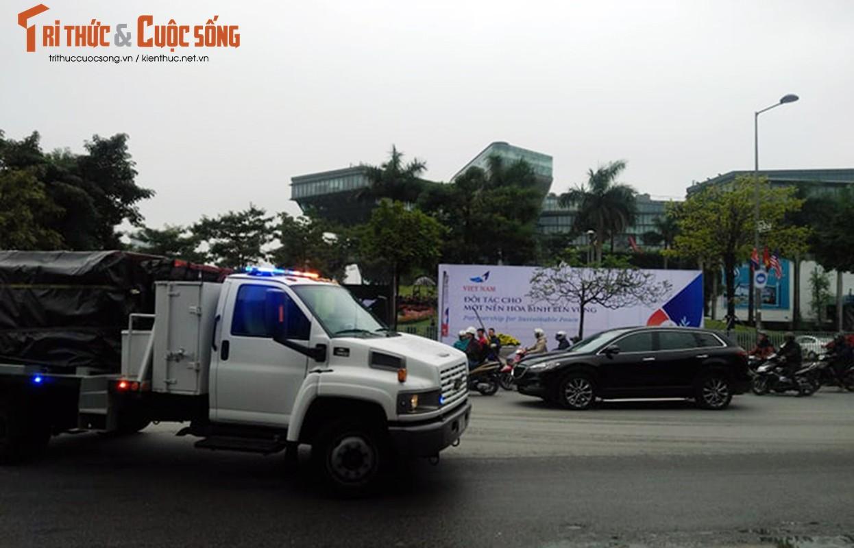 Trien khai xe boc thep bao ve Hoi nghi thuong dinh My - Trieu-Hinh-12