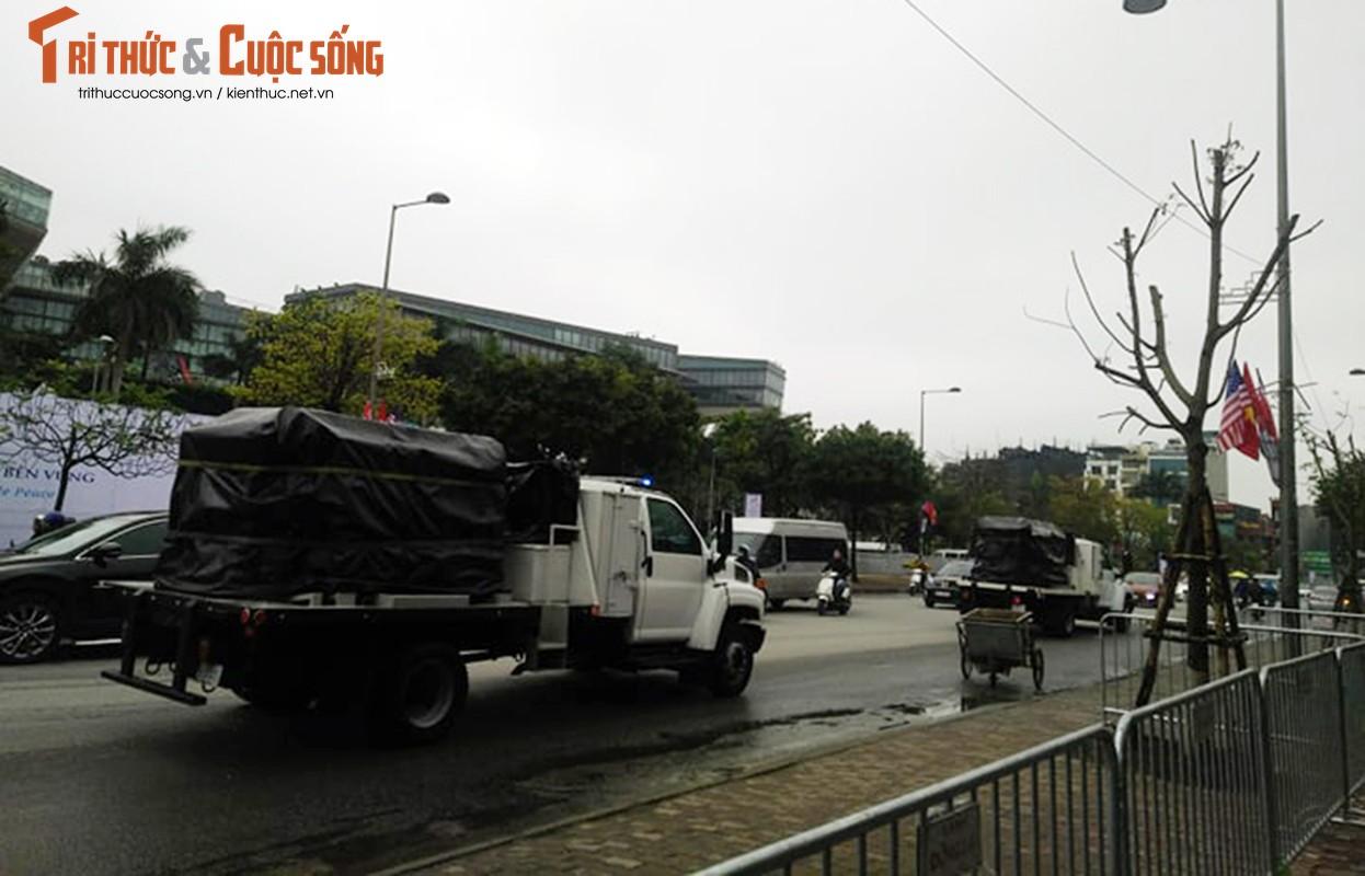 Trien khai xe boc thep bao ve Hoi nghi thuong dinh My - Trieu-Hinh-13