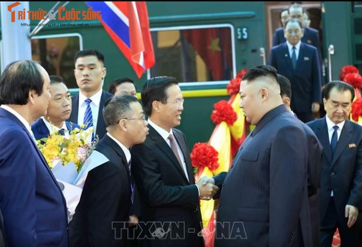 Chu tich Kim Jong-un dang den Ha Noi, an ninh duoc that chat tuyet doi