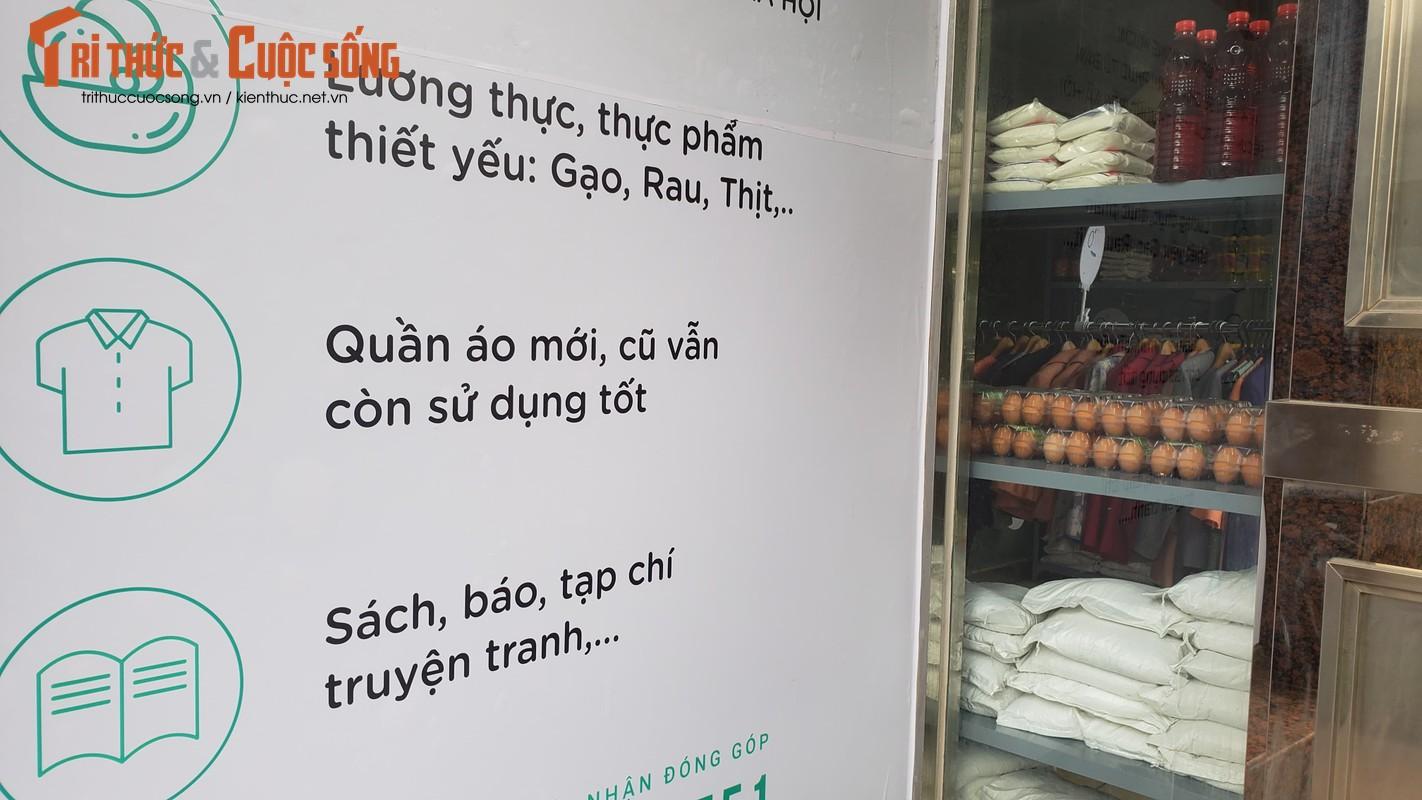 """Sieu thi 0 dong"" dau tien o Ha Noi tang nguoi ngheo giua tam bao COVID-19-Hinh-12"