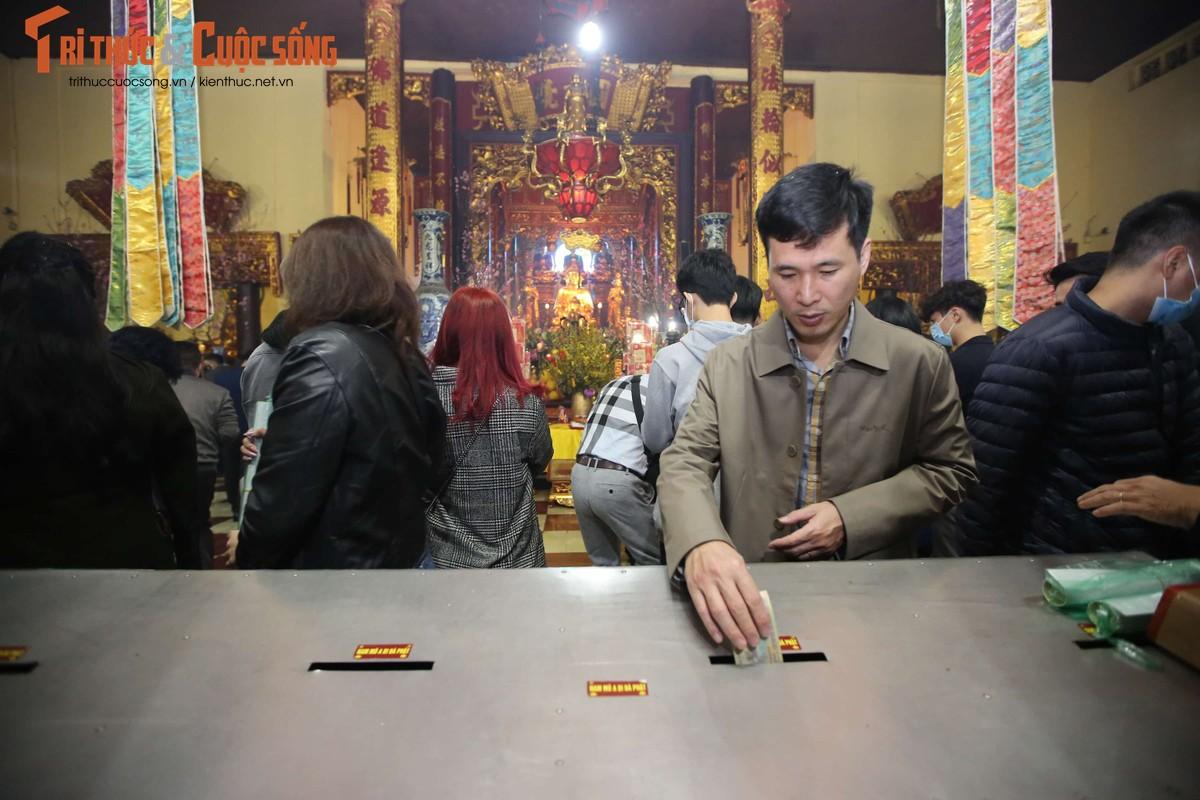 Tet Tan Suu 2021: Sau thoi khac giao thua, nguoi dan Thu Do thanh tam le chua-Hinh-7