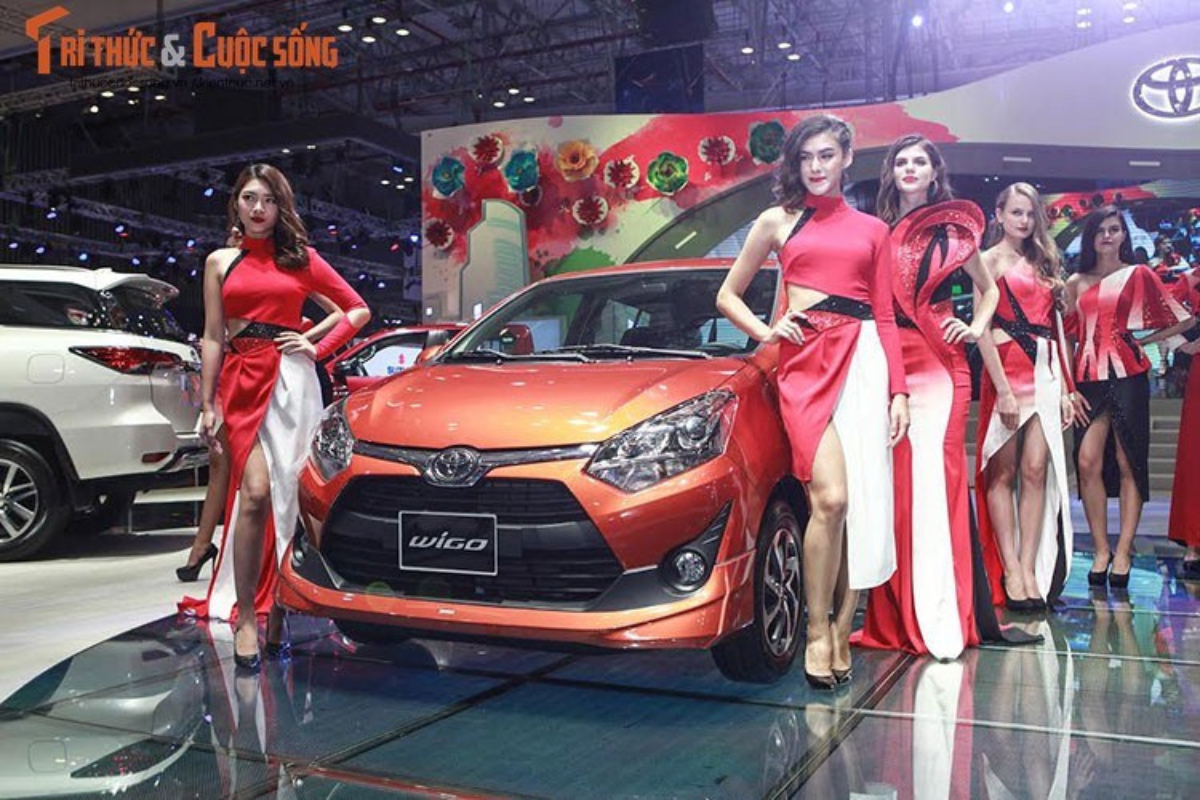 "Soi dan xe Toyota ""moi cung"" tai trien lam oto VMS 2017-Hinh-2"