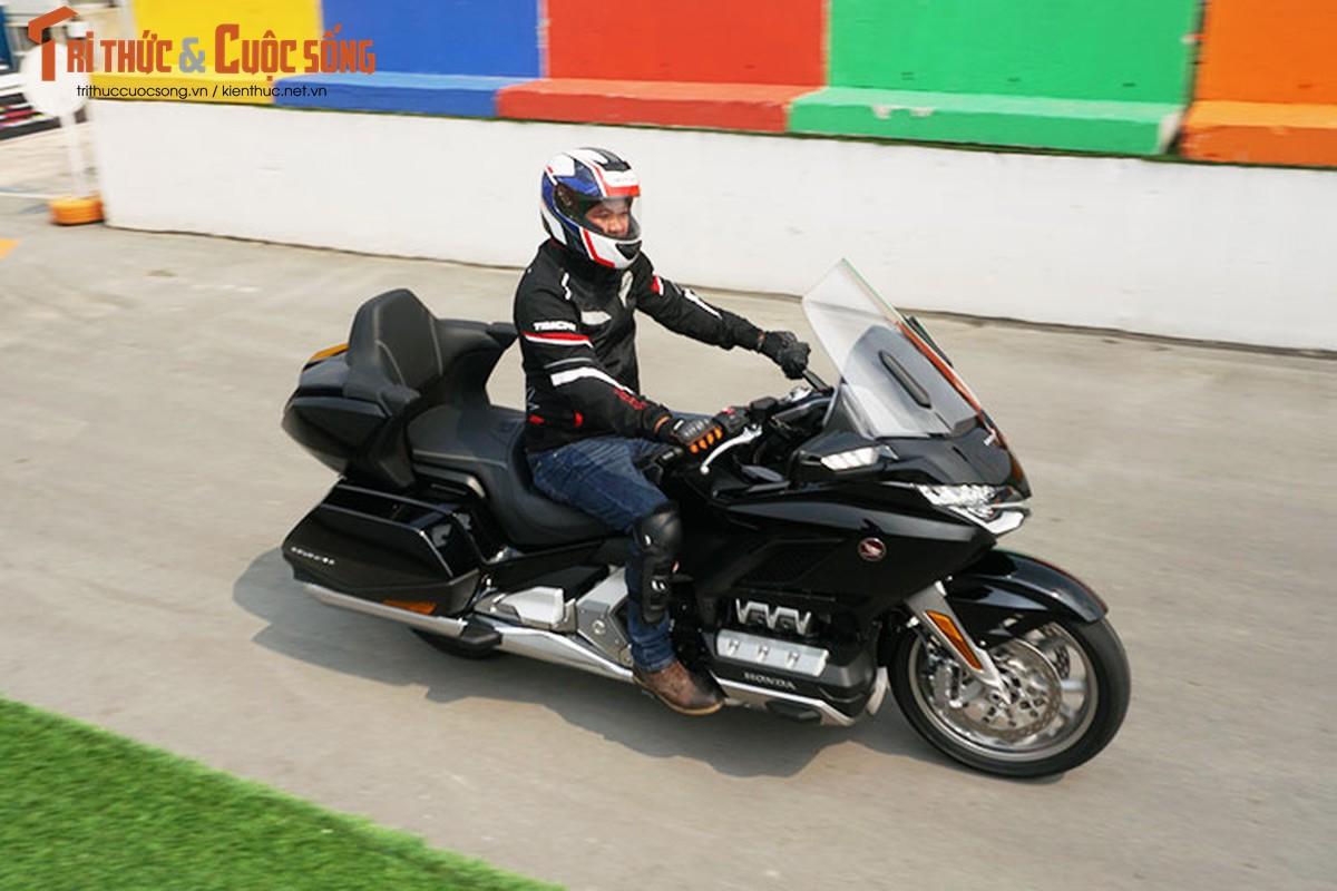 Danh gia moto Honda Gold Wing moi gia 1,2 ty tai Viet Nam-Hinh-15