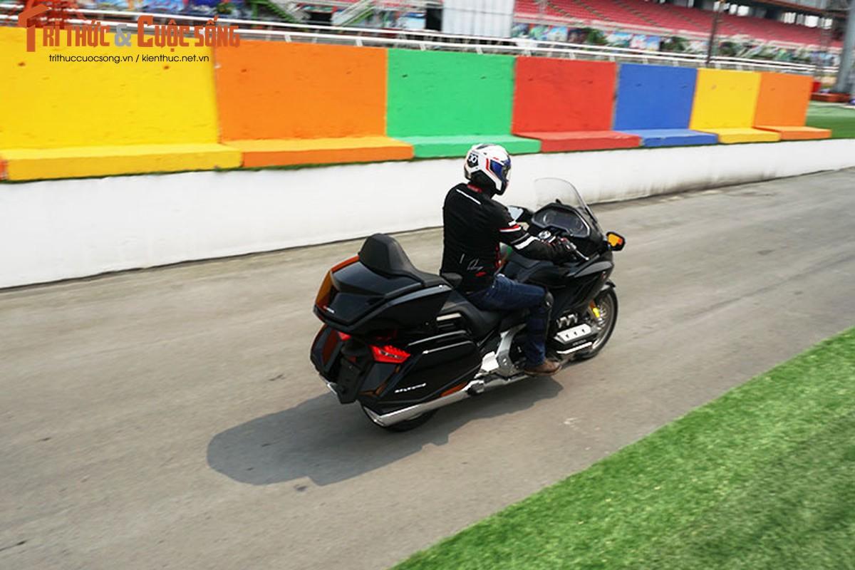 Danh gia moto Honda Gold Wing moi gia 1,2 ty tai Viet Nam-Hinh-16