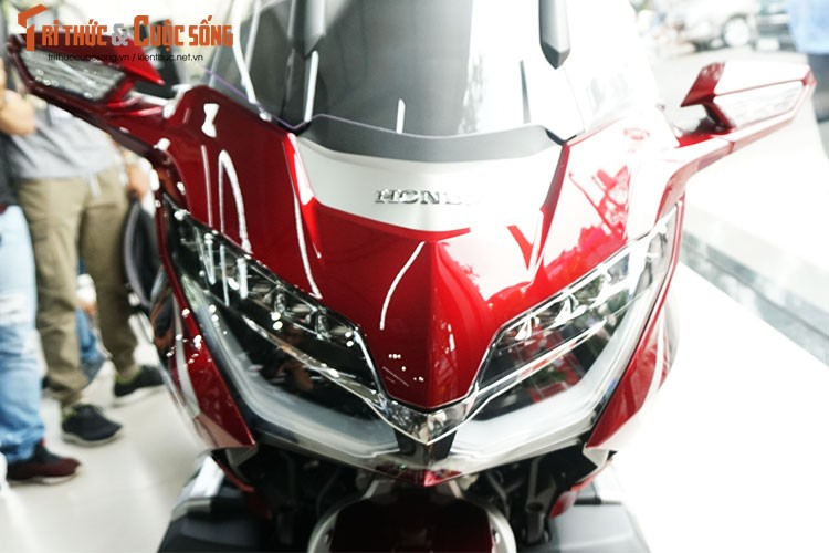 Danh gia moto Honda Gold Wing moi gia 1,2 ty tai Viet Nam-Hinh-3