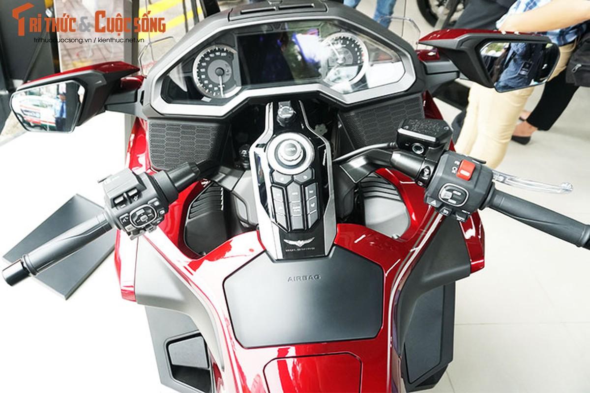 Danh gia moto Honda Gold Wing moi gia 1,2 ty tai Viet Nam-Hinh-4
