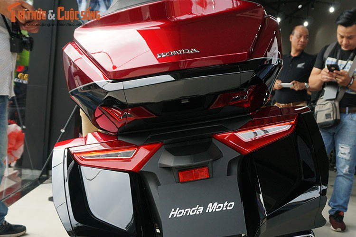 Danh gia moto Honda Gold Wing moi gia 1,2 ty tai Viet Nam-Hinh-9