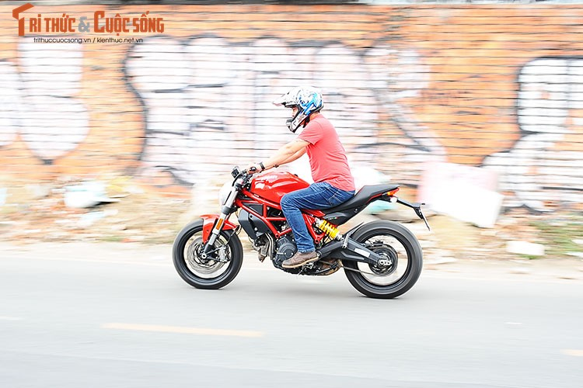 "Cam lai ""quy nho"" Ducati Monster 797 gia 329 trieu tai Viet Nam-Hinh-14"