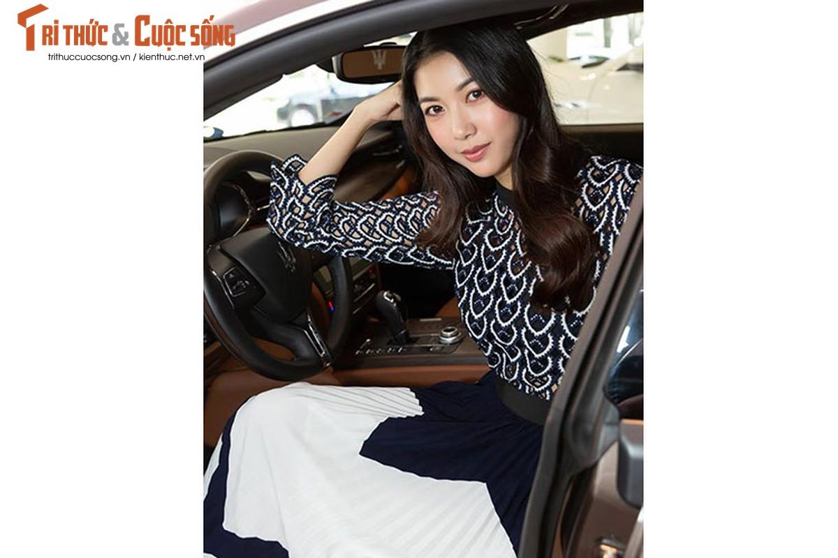 A Hau Thuy Van tau xe sang Maserati gia 6,9 ty dong-Hinh-4
