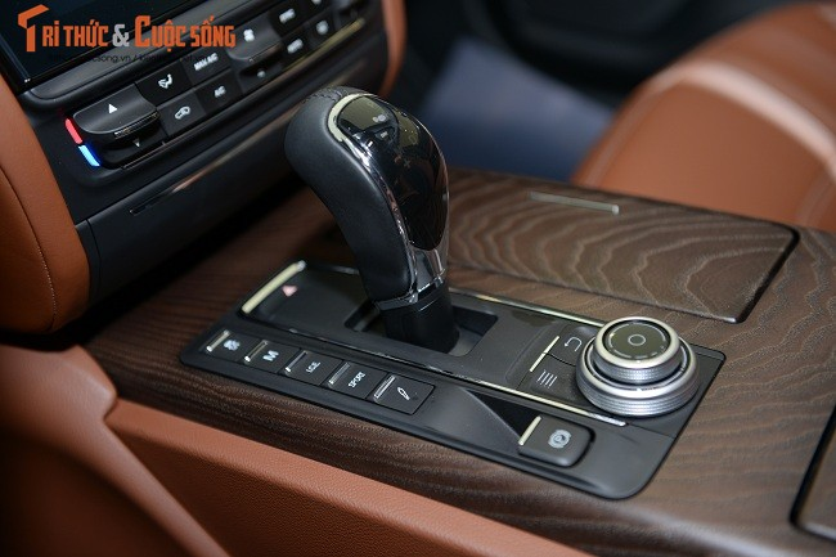 A Hau Thuy Van tau xe sang Maserati gia 6,9 ty dong-Hinh-7