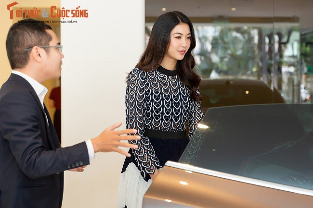 A Hau Thuy Van tau xe sang Maserati gia 6,9 ty dong-Hinh-8