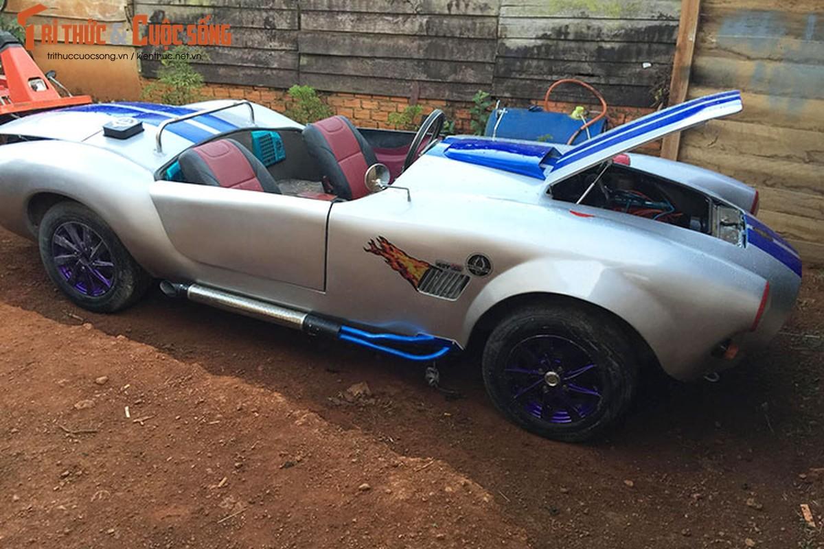 """Can canh """"sieu xe"""" Shelby Cobra chi 125 trieu tai Viet Nam"""