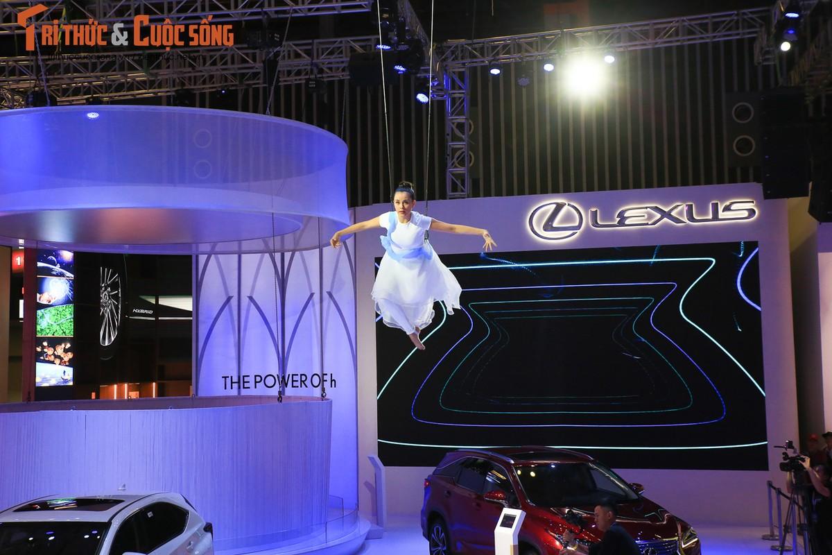 Xe sang Lexus dang cap hon voi hybrid tai VMS 2018-Hinh-7