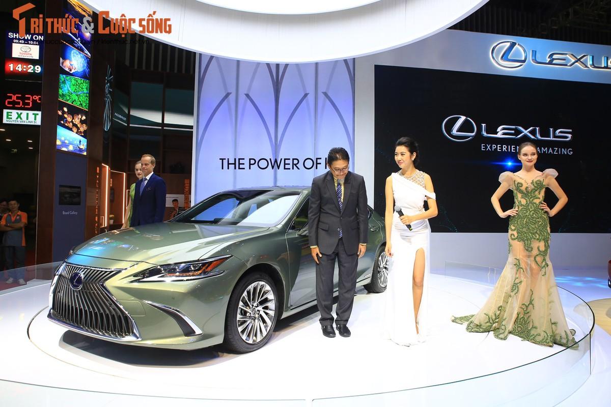 Xe sang Lexus dang cap hon voi hybrid tai VMS 2018