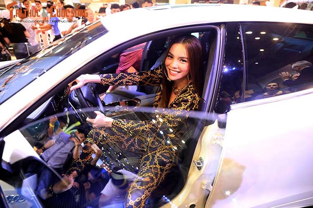 Ha Ho do dang cung dan nguoi dep va xe sang Maserati-Hinh-3