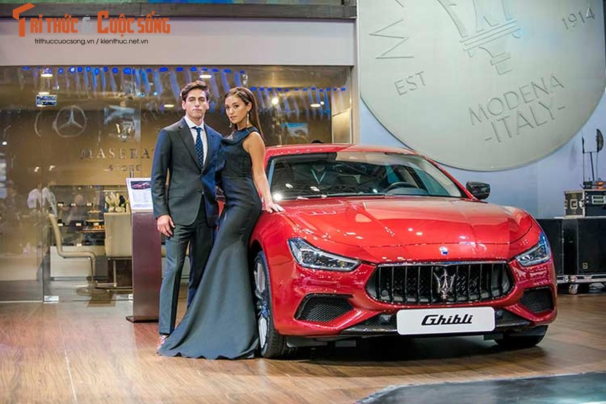 Ha Ho do dang cung dan nguoi dep va xe sang Maserati-Hinh-7