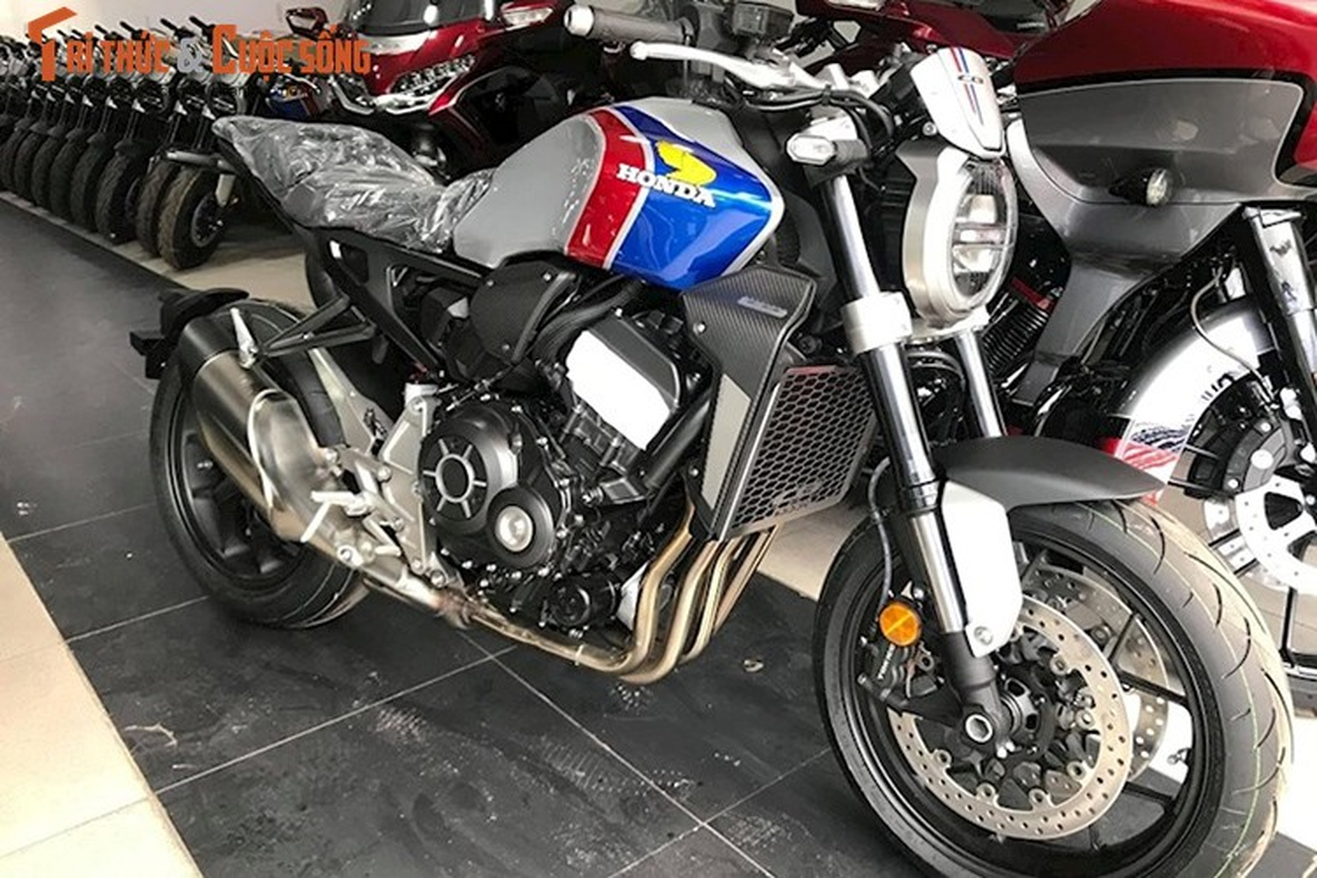 Honda CB1000R dac biet gia hon nua ty