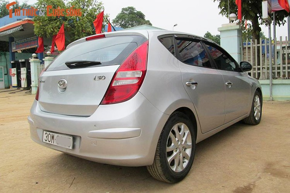 Hyundai i30 may dau dung 12 nam ban 350 trieu o Ha Noi-Hinh-3