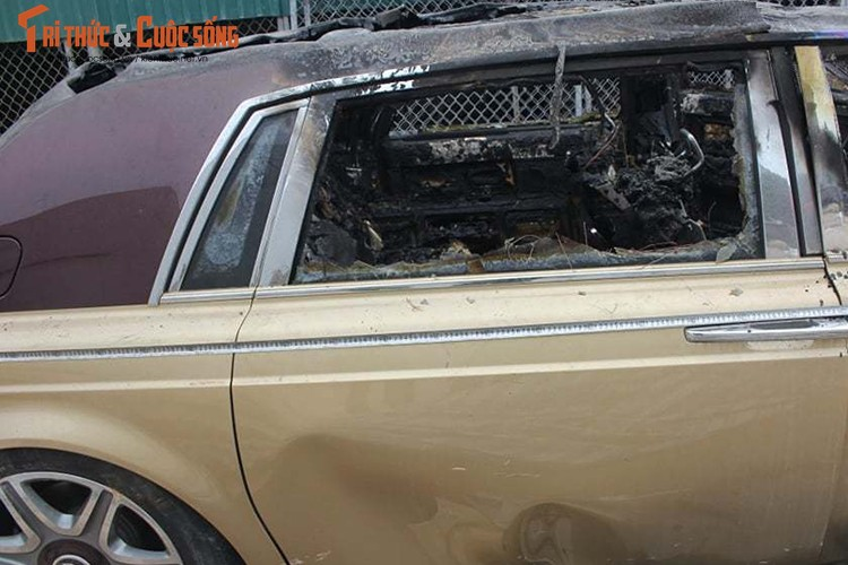 Can canh Rolls-Royce Phantom ma vang chay tro khung-Hinh-4