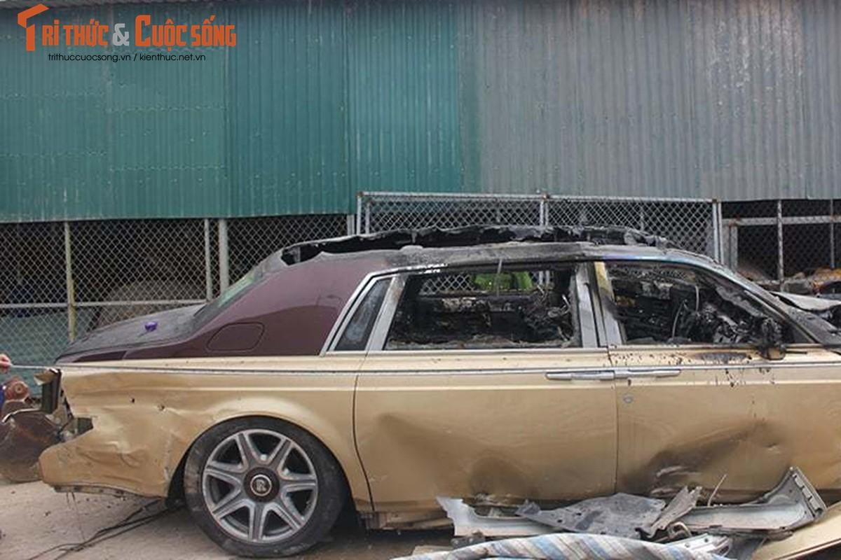 Can canh Rolls-Royce Phantom ma vang chay tro khung-Hinh-7