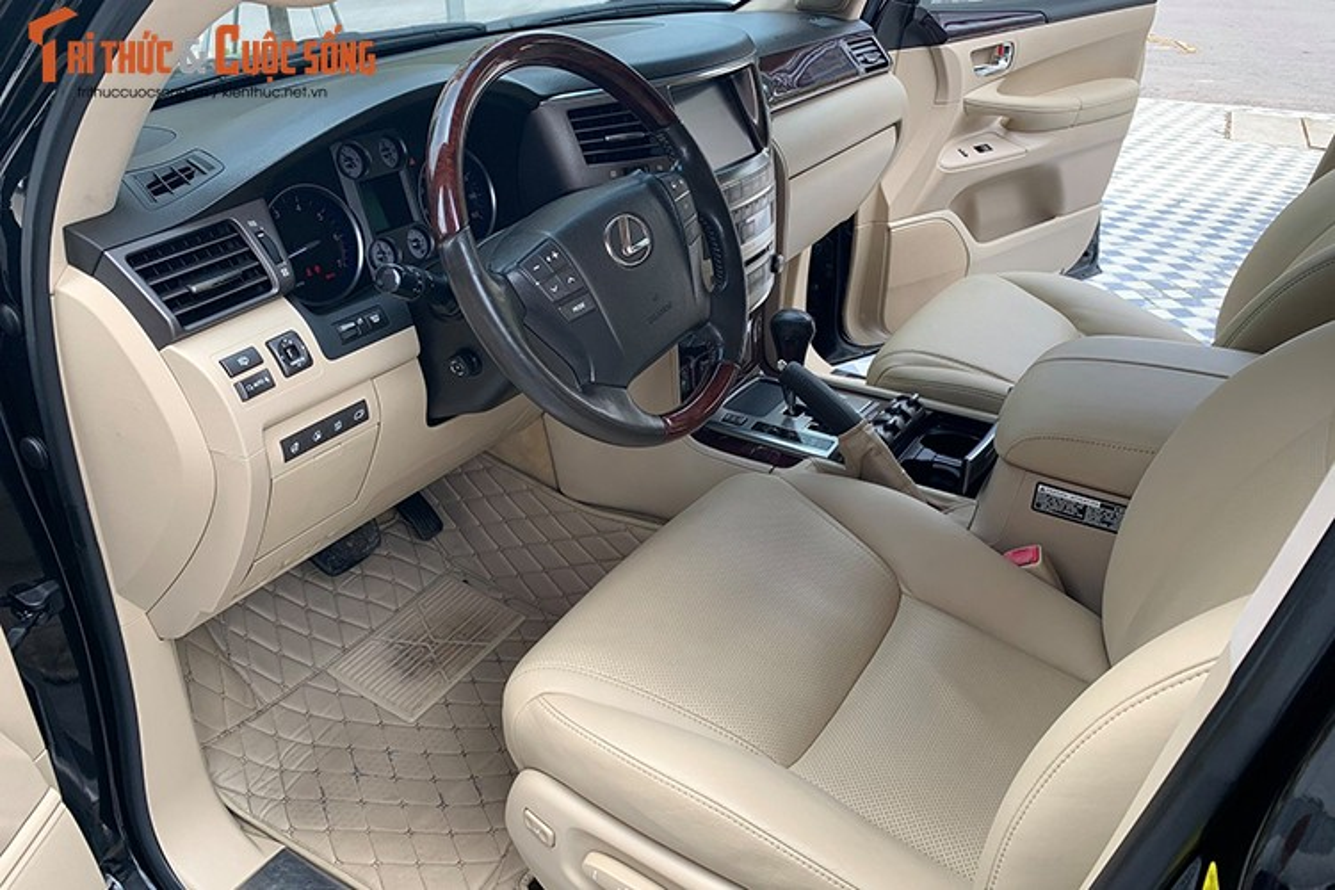 Lexus LX570 dung 10 nam chao ban 2,5 ty dong tai Ha Noi-Hinh-5