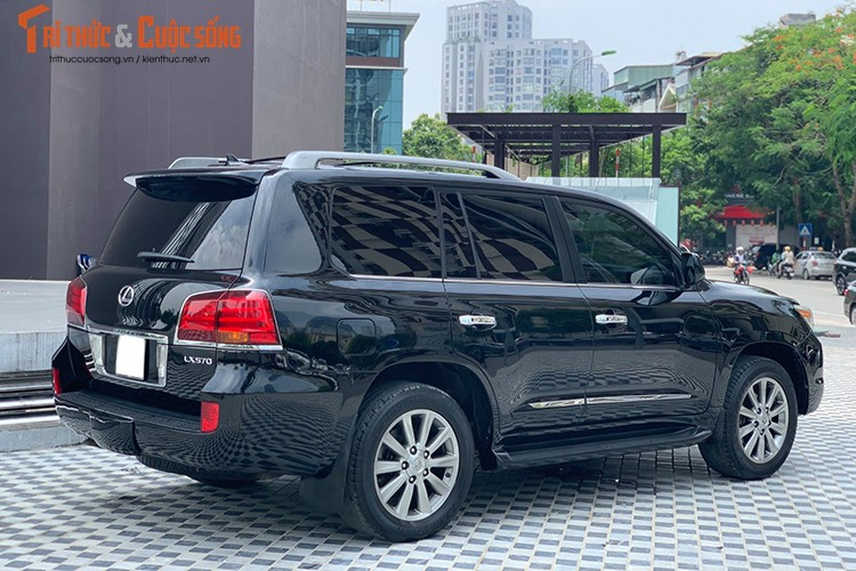 Lexus LX570 dung 10 nam chao ban 2,5 ty dong tai Ha Noi-Hinh-9