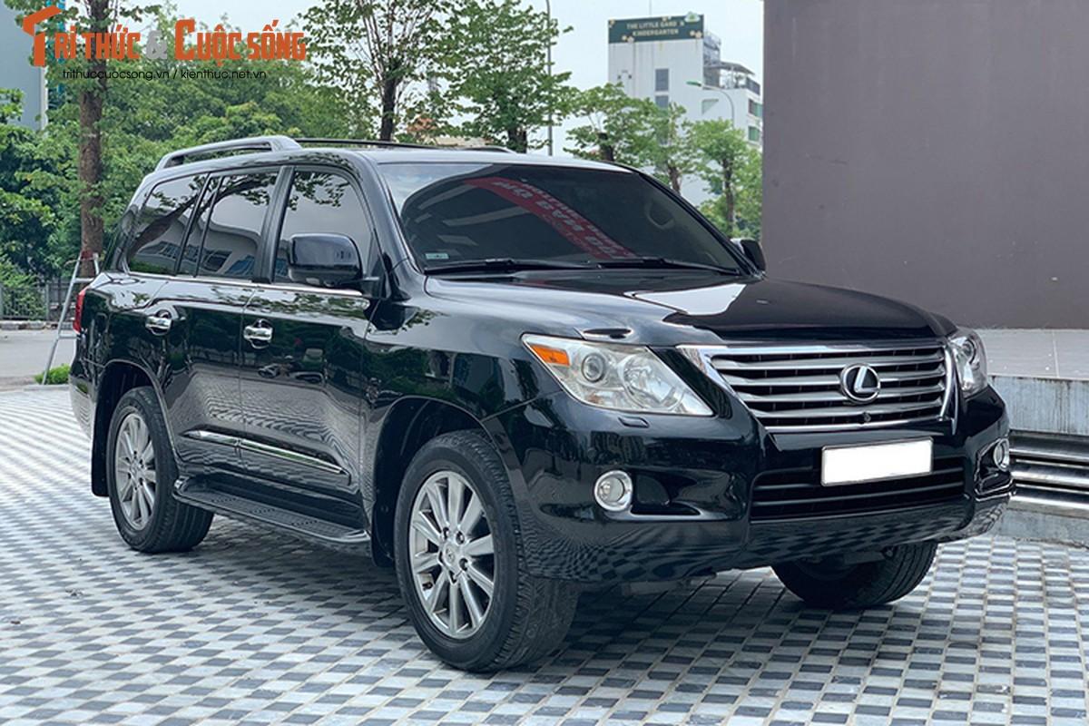 Lexus LX570 dung 10 nam chao ban 2,5 ty dong tai Ha Noi