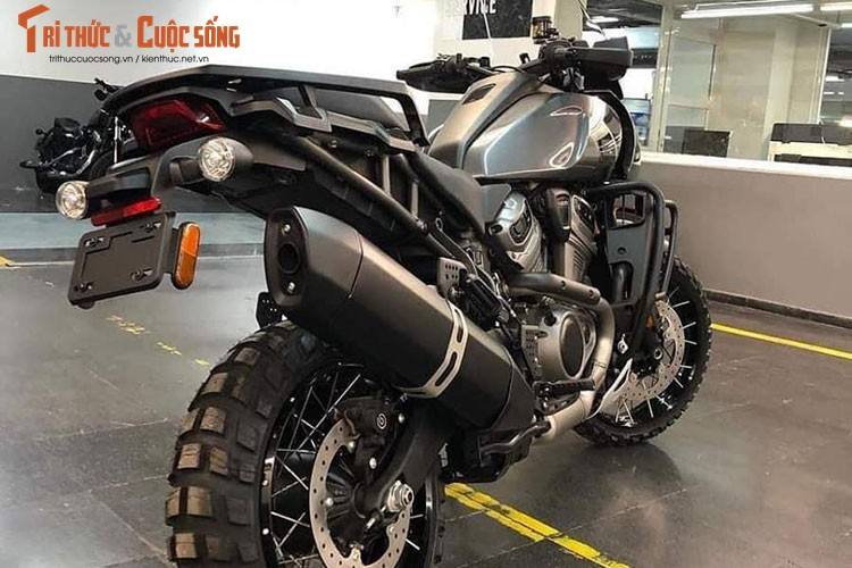 Can canh Harley-Davidson Pan America hon 830 trieu tai Viet Nam-Hinh-5