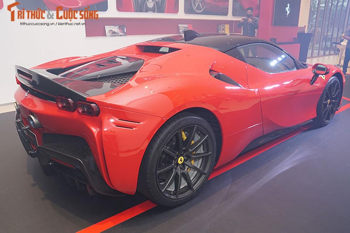 Ferrari SF90 Stradale chinh hang Viet Nam, re hon nhap tu 10 ty-Hinh-2