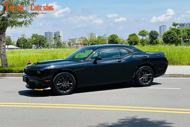 Can canh Dodge Challenger GT 2021 tai Viet Nam, hon 3 ty dong-Hinh-12