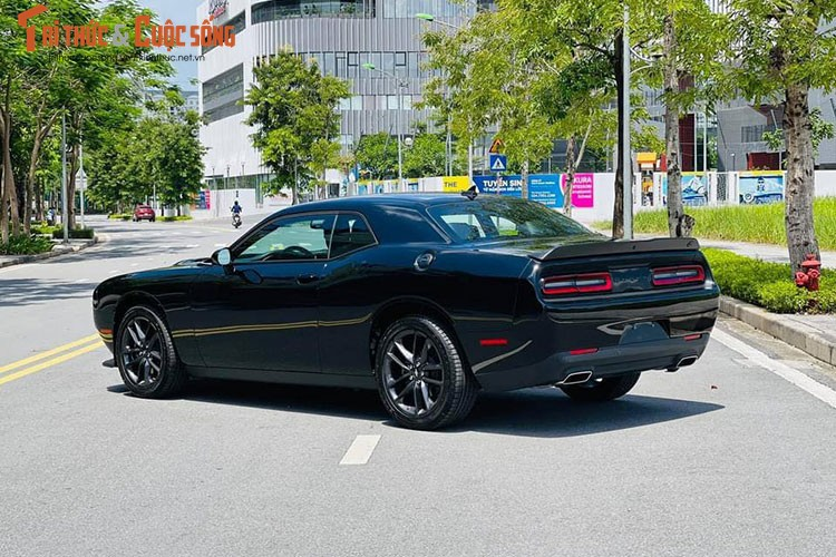 Can canh Dodge Challenger GT 2021 tai Viet Nam, hon 3 ty dong-Hinh-2
