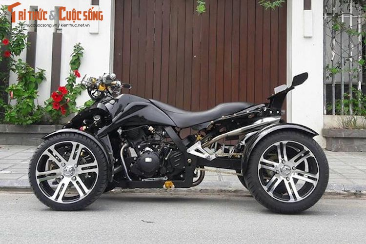 "Moto 4 banh ""hang khung"" gia 80 trieu tai Sai Gon-Hinh-2"