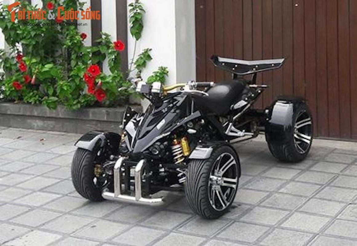 """Moto 4 banh """"hang khung"""" gia 80 trieu tai Sai Gon"""